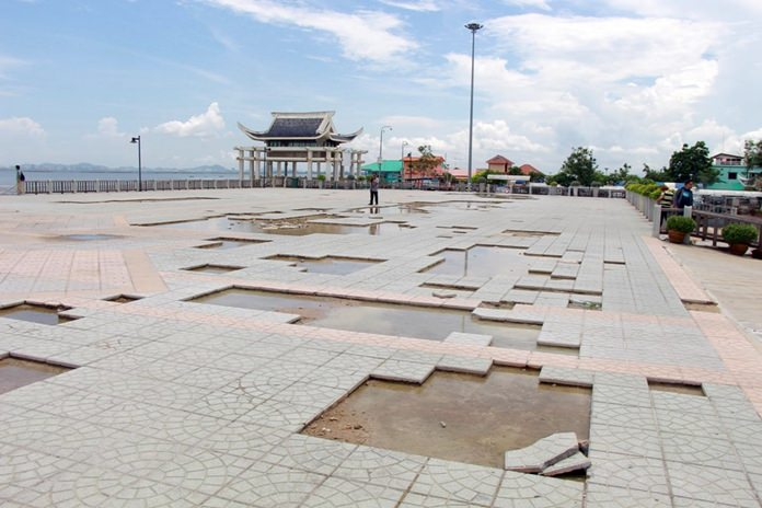 Despite some recent repairs to its exercise area, Lan Pho Public Park is in serious need of renovation after years of wear and tear.