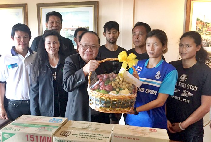 Sorawuth Maharom, Advisor to International Athletic Preparation Board, and his team visited athletes and executives of the Windsurfing Associaiton of Thailand in Pattaya, Thursday, May 25.