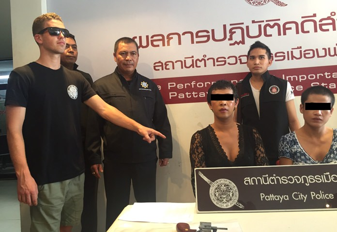 Transvestites Ronnarit Kamprao and Plakat Sonjan have been arrested for allegedly pickpocketing an Australian tourist on Walking Street.