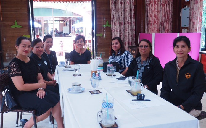 "Pattaya School No. 3 head of academics Jariya Ruaysawad and teachers met with Diana Group Managing Director Sopin Thappajug to begin developing a curriculum for the ""School in Hotel"" program."