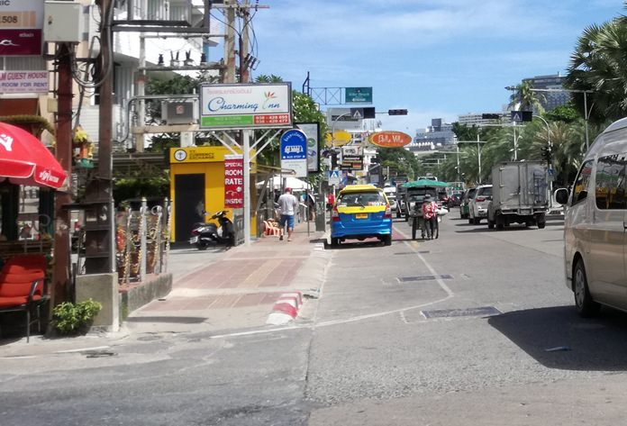 The Pattaya City Council approved 1.4 million baht to construct 30 new baht bus stops around the city.