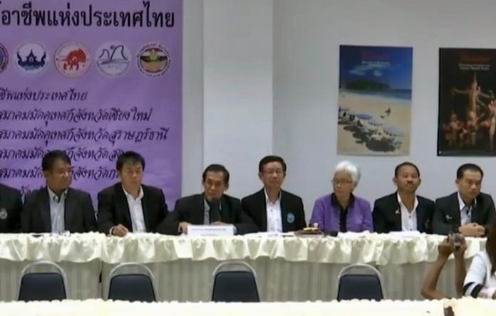 Thai tour guides oppose foreign opposition - Pattaya Mail