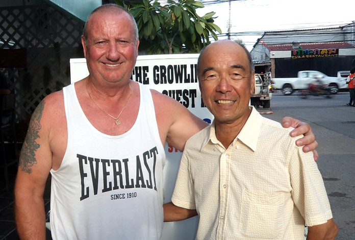 Glenn Smith (left) with Mashi Kaneta.