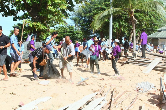 """The six-week """"resurfacing"""" of Pattaya Beach came to an end this week with sand being flipped over the final work area and new rules for chair vendors about to take effect."""