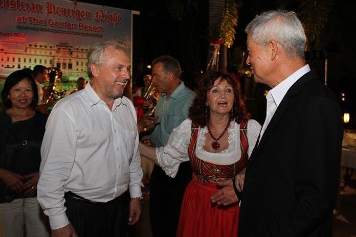 Austrian Consul General Gerhard Goetz meets Deputy Mayor Apichart Virapal.