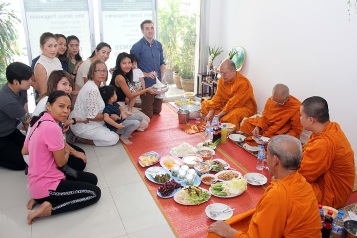 The Moffatt Center celebrated three years of tutoring students in afterschool classes in East Pattaya.