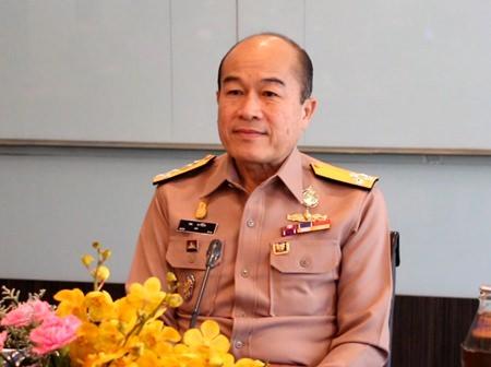Adm. Na Areenij, commander in chief of the Royal Thai Navy, came to Pattaya to check on the progress of November's International Fleet Show.