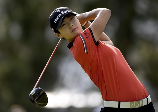 Sung Hyun Park, of South Korea, tees off on the 15th hole during the final round of the 2017 Canadian Pacific Women's Open, in Ottawa on Sunday, Aug. 27. (Sean Kilpatrick/The Canadian Press via AP)