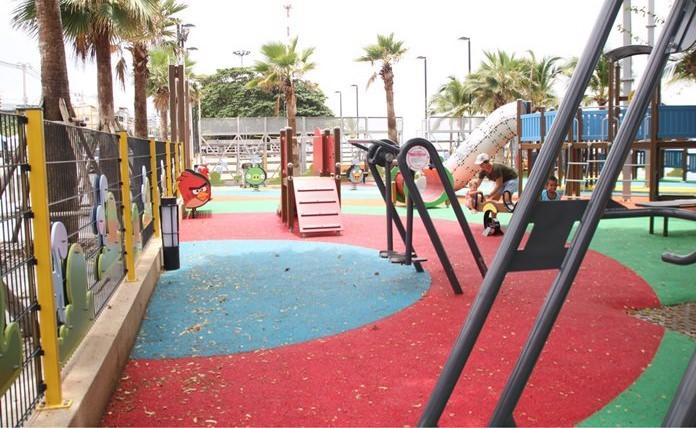 A three-month old playground on Jomtien Beach already has fallen into disrepair.