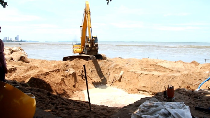 Pattaya's Engineering Department said no public hearing is required for a Kratinglai beach-erosion project as it is merely repairing an existing breakwater.