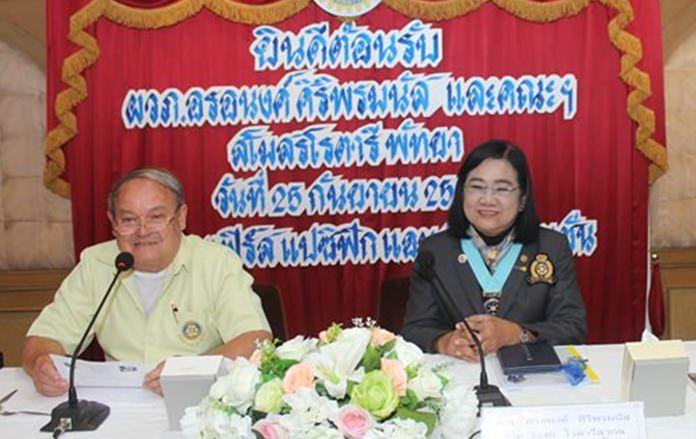 President Premprecha Dibbayawan delivers his report to DG Onanong.