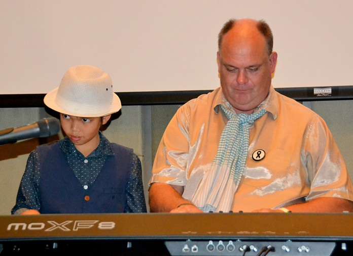 Ben Rudolf and Marcus Tristan conclude Ben's presentation together with a little four handed boogie woogie.