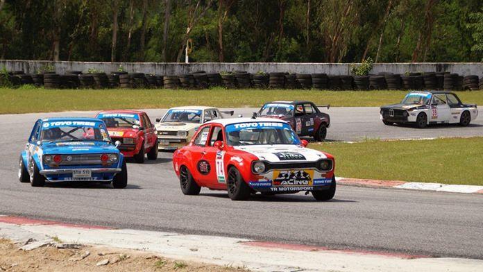 Retro cars at Bira.