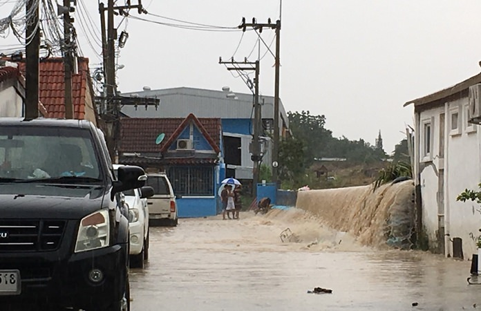 Engineers are working to clear the city's drainage systems as residents continue to suffer from floods caused by recent heavy rain.