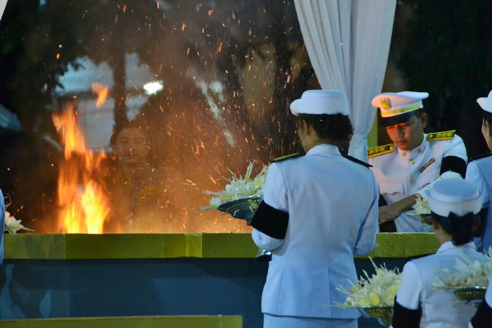Marking the end of the ceremony, the sandalwood flowers are cremated at the same time as the Royal Cremation in Bangkok.