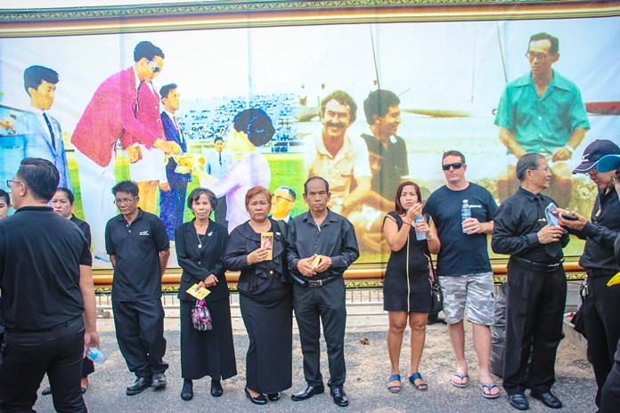 South Pattaya Road was decorated with murals paying homage to the late King Rama IX.