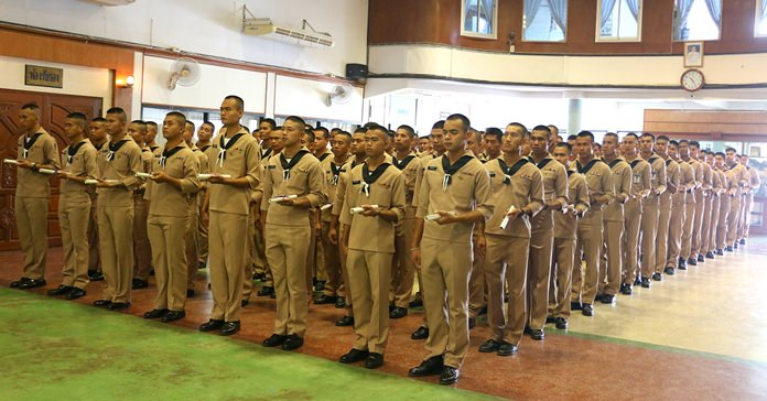 More than 100 sailors recited their oath to be a good citizen, behave properly, adhere to religious morals, protect the monarchy and keep the government's secrets as they ended their tours of duty.