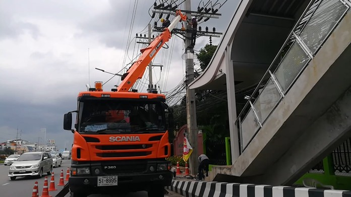The Provincial Electricity Authority installed new power switches along Sukhumvit Road to prevent all of Pattaya from suffering a simultaneous blackout.