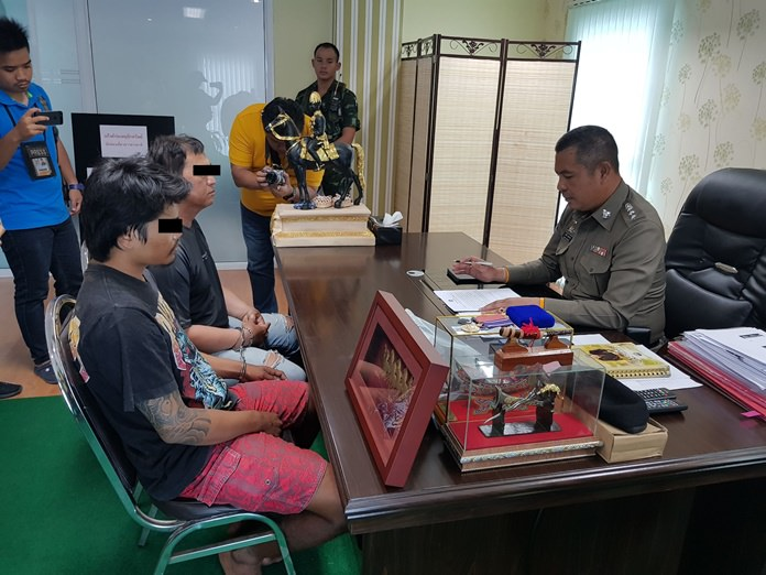 Pattaya jet ski vendors Rattanapol Sae-uey and Surasak Inchote were arrested for stealing a million baht in property that a Chinese tourist left unattended on the beach.