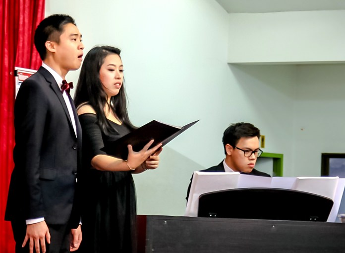 Members of the Grand Opera Thailand gave a great performance at the Pattaya Orphanage on November 26.