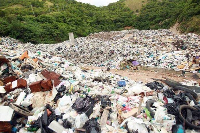 If nothing is done, Koh Larn will run out of dump space by early next year.