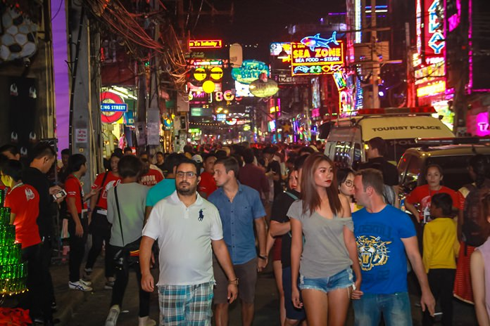2018 begins with a jam packed Walking Street, with barely any space to walk.