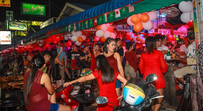 Bars and clubs were packed throughout the weekend in Fun City.