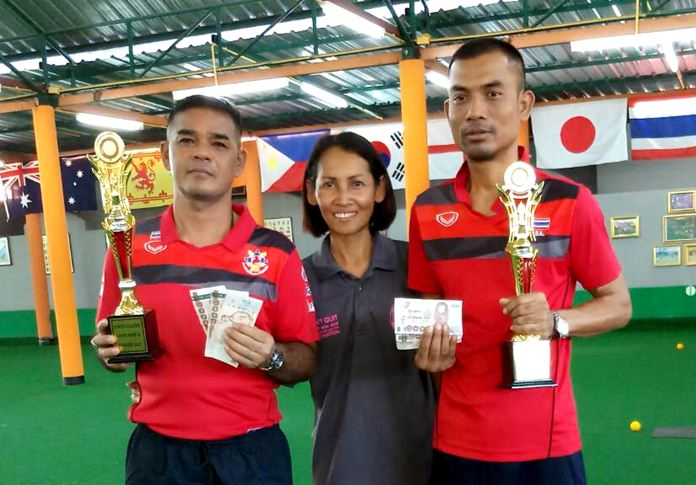 Kamlong and Siam of the Thailand Transplantees team were the winners of the lawn bowls pairs final.