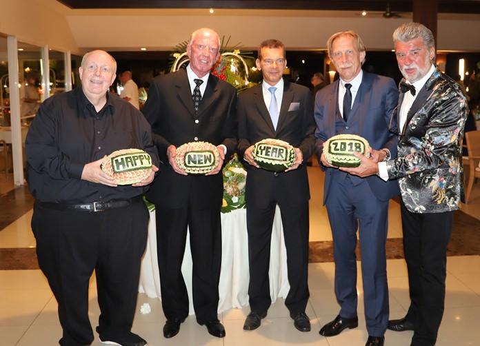 (l-r) Reiner Calmund, Gerrit Niehaus, Rudolf Hofer, Christian Daum and Christof R. Sage wish all of you a Happy New Year!