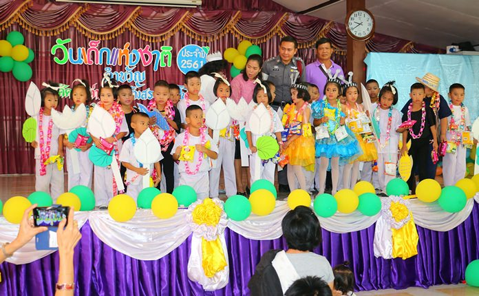 Young performers are feted at Wat Najomtien School in Sattahip.
