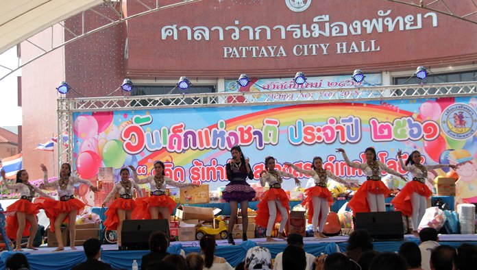 Children's Day is celebrated at Pattaya City Hall with many games, entertainment, prizes and goods on offer for the kids throughout the day.