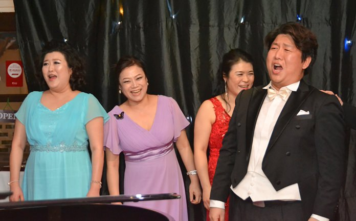 The singers gave a lilting and sensitive performance.