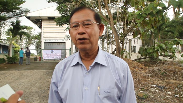 Khao Maikaew Mayor Jamnien Kitipakul tells the press Pattaya and Khao Maikaew officials have agreed on a virtual ban on medical waste disposal, barring the resort city from dumping more than a ton of it in the Banglamung sub-district.
