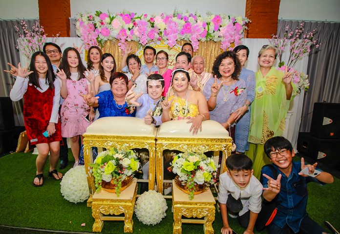 Italian couple, Luca Giacometti and Diana Pedroni chose Pattaya to have their wedding in a traditional Thai style.