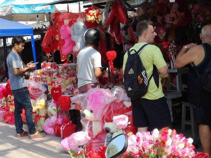 Naklua flower shops were doing great business.