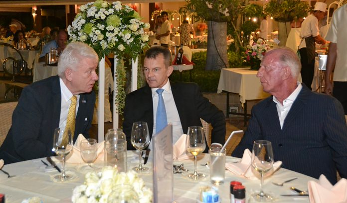 Gerrit is seen in deep discussion with (from left) Jürgen Koppelin and Rudolf Hofer.