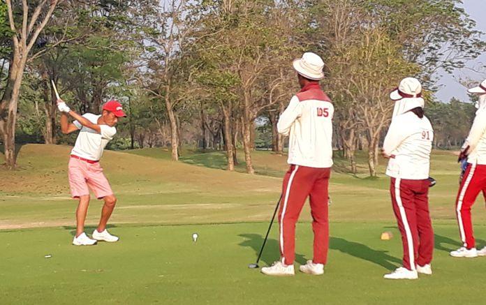 Kenny Aihara tees off on the 17th hole at Kabinburi Sports Club.