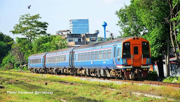 The State Railways of Thailand (SRT) launched the weekend air-conditioned train services from Bangkok to Pattaya and Sattahip in Chonburi on March 17.
