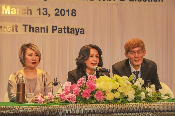 Pakamon Wongyai (centre), newly elected president with her two vice presidents, Rungthip Suksrikarn (left) and Sanpech Supabowornsthien (right).