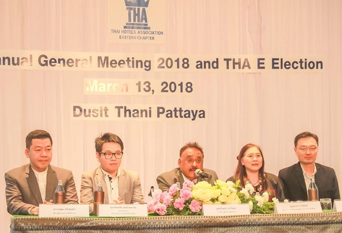 The panel of judges (l-r) Auttaphon Thaveesuntorn, Rattanachai Sutidechanai, Pratheep S. Malhotra, Ornwara Korapin and Wasan Temsiripong.
