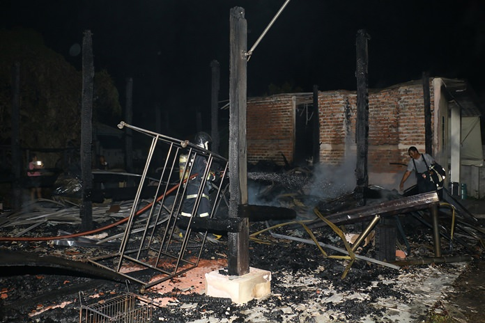 A suicidal man first burnt down his house before writing a suicide note and hanging himself.