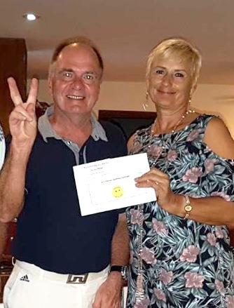 B Flight winner Thomas Pieper with Monika.