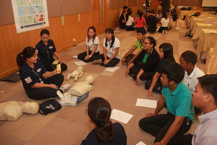 Bangkok Hospital Pattaya provided basic life support and CPR courses to teachers and businesspeople in Sattahip and Pattaya.