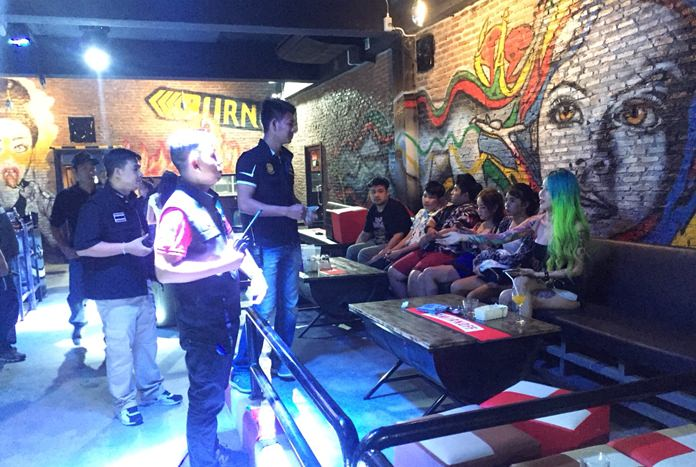 Banglamung authorities and Pattaya police arrested 19 people in raids on the Bern Club on Soi Buakhao and the Longmase Karaoke on Third Road, both clubs operating after hours.