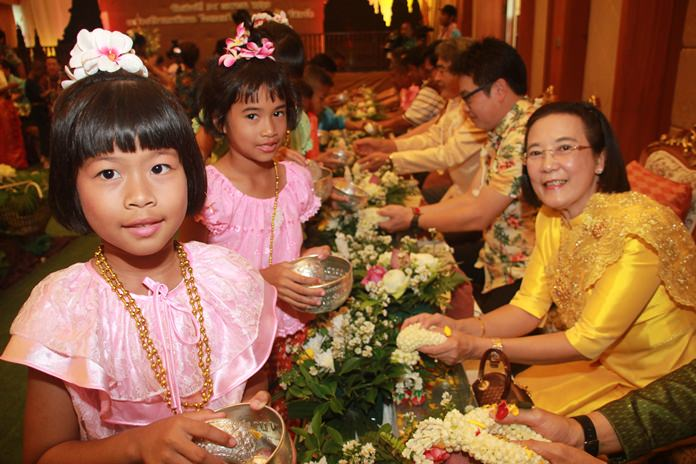 "Ratchada ""Toi"" Chomjinda and children from the HHN were also present at the Diana Garden ceremony."
