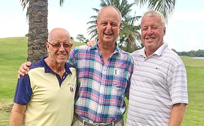 Nigel Perry (centre) with John Davis (left) and Bob Britton.