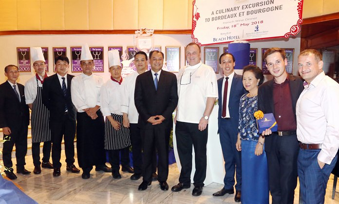 Executive Chef Peter Held (5th right) and his outstanding team are recognized by the management of the Royal Cliff Hotels Group led by MD Panga Vathanakul, GM Prem Calais, RM Jan Lorenzen together with Sommelier Guillame Celante and Vanichwathana's Director of Business Development Zoltan Zakor (right).