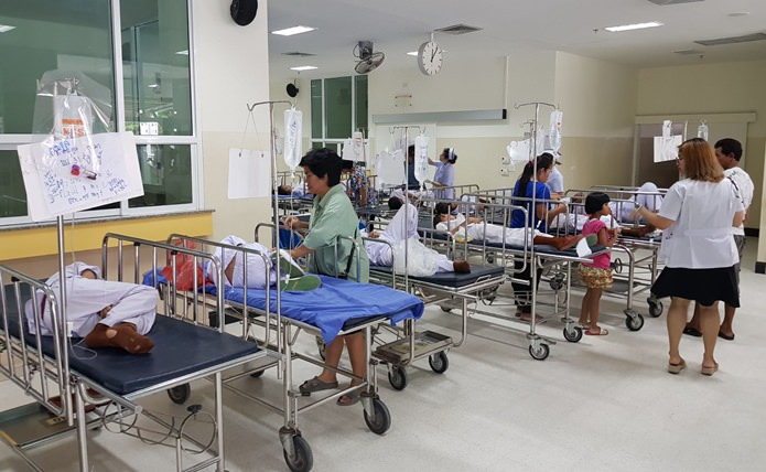 Seventy children studying at the Wat Nongkedyai School were rushed to Banglamung hospital June 1, suspected of having contracted food poisoning.
