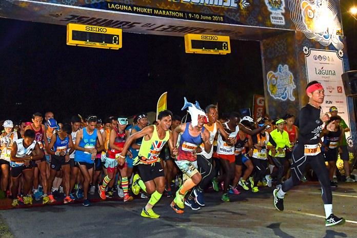 A record number of runners set off at the start of the 2018 Laguna Phuket Marathon, Sunday, June 10. (Photo/Naratip Golf Srisupab/SEALs Sports Images)
