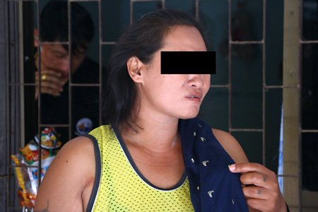 Sattahip authorities arrested drink vendor Kalong Sanitpol for allegedly selling speed with her smoothies.